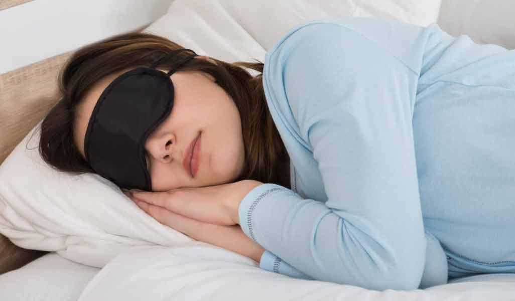 تأثیر یوگا بر خواب